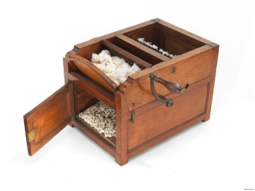 Courtroom cotton gin model, about 1800
