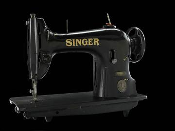 Singer sewing machine, 1920s