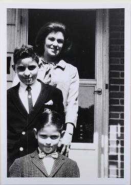 Lillian Vernon with sons Fred and David