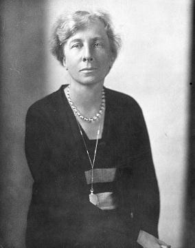 Lillian Moller Gilbreth, around 1920