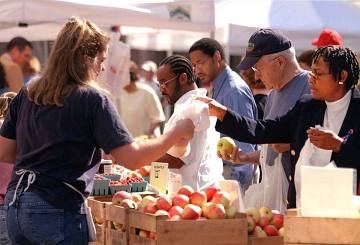 Sunday market shoppers, Washington, D.C., 1999