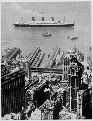 The Leviathan in New York, about 1925
