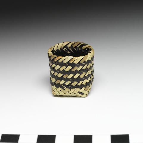Image 1 for Miniature basket