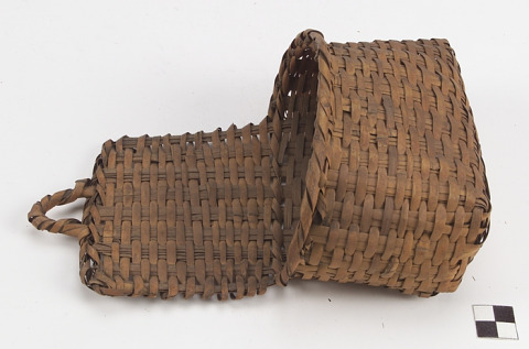 Image 1 for Wallpocket basket