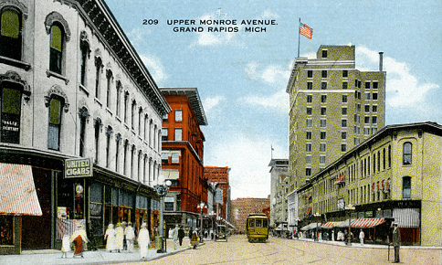 Monroe Avenue, Grand Rapids, Michigan, where the A. May & Sons department store became one of the first retailers to use Batts' hangers in 1906.