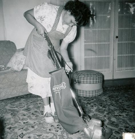Using a Vacuum, 1940–1955