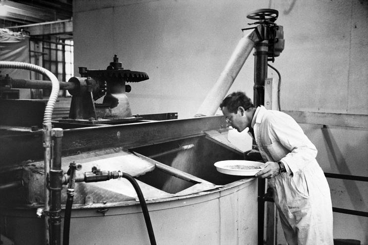 Fritz Maytag brewing at Anchor, around 1966