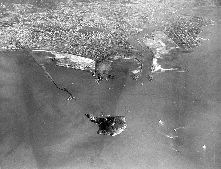 The Port of Oakland, 1935