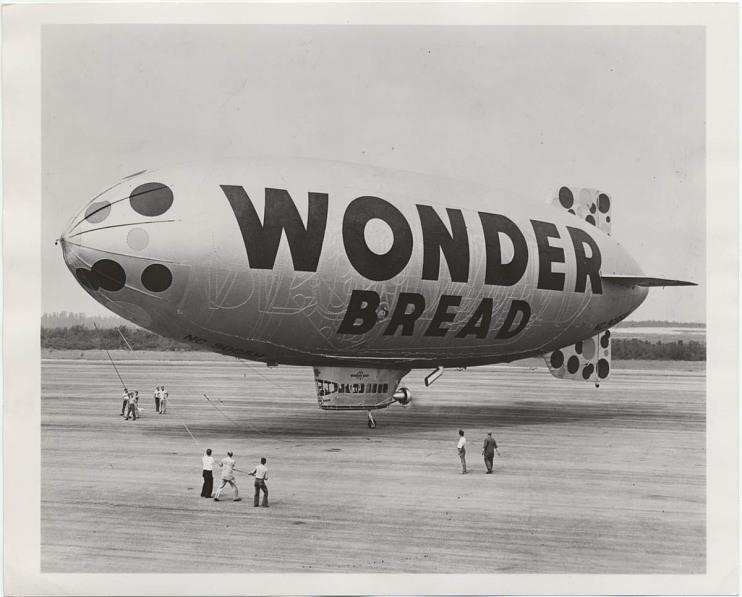 Wonder Bread blimp, 1945-1955