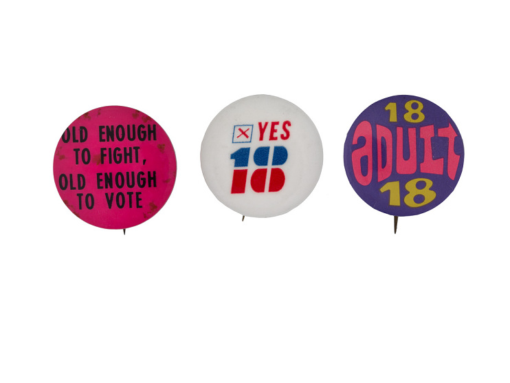 Buttons supporting the Twenty-Sixth Amendment