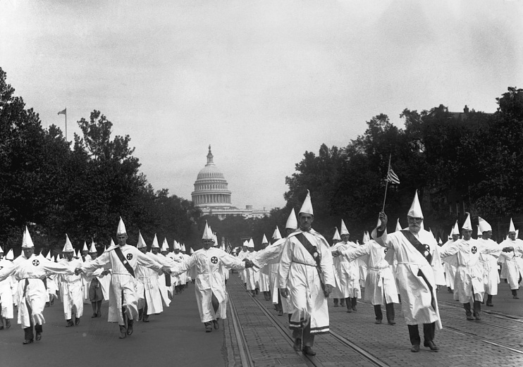 Ku Klux Klan marching down Pennsylvania Avenue, August 8, 1925