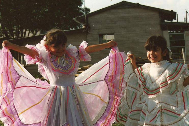 Victoria Dávila (right) with childhood friend, Gabriela Galindo (left).