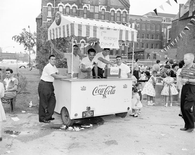 Vendor's refreshment cart, 1959