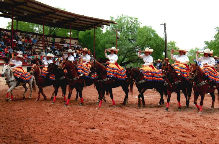 Row of escaramuzas at a Charriada
