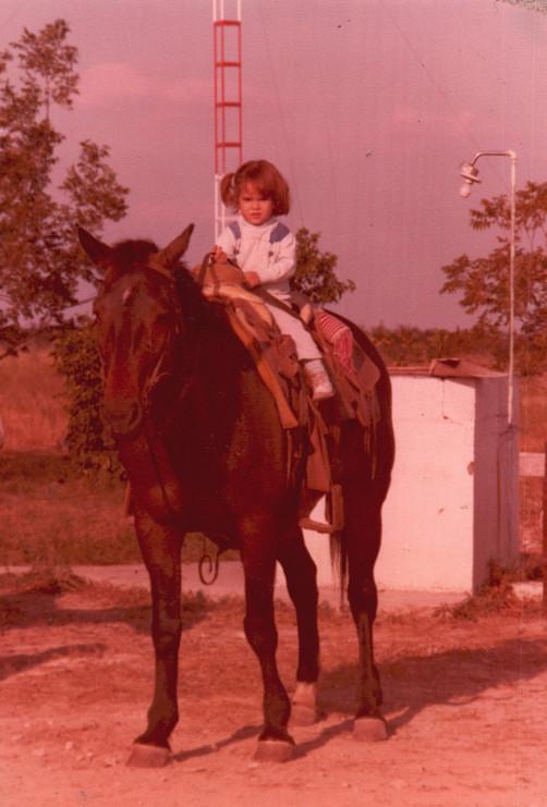 Verónica Dávila, age three,on horseback