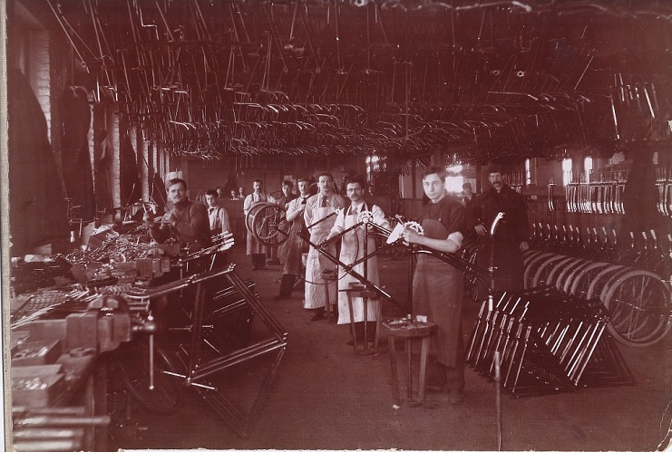 Schwinn factory in Chicago, 1890s