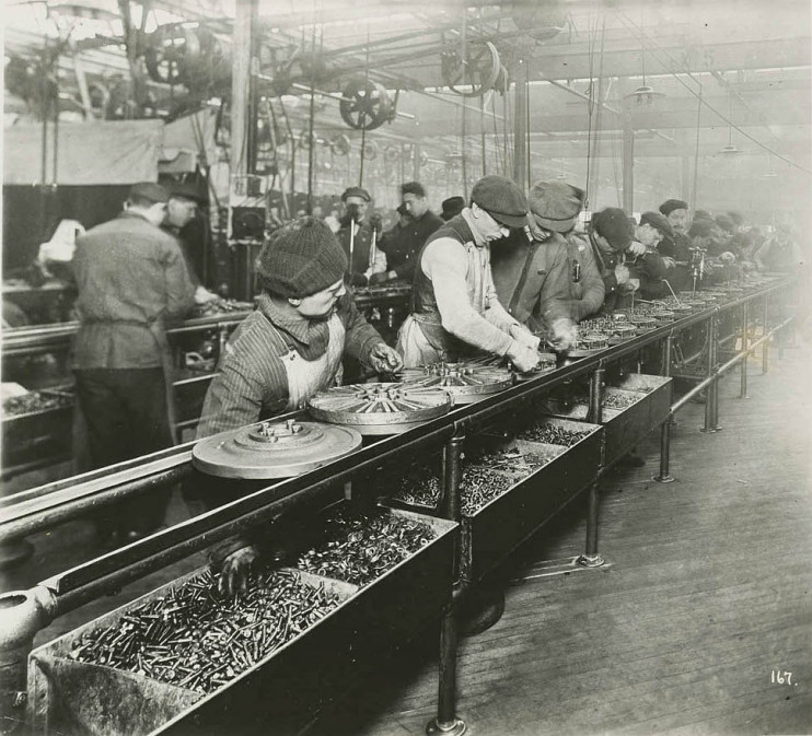 First moving assembly line, 1913