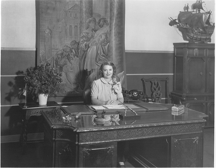 Tillie Lewis in her office, 1942