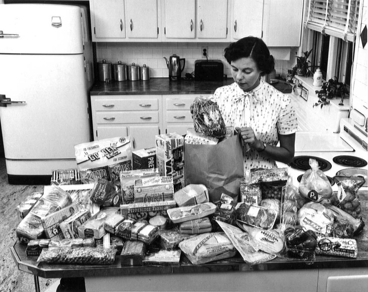 Showcasing food abroad, 1958