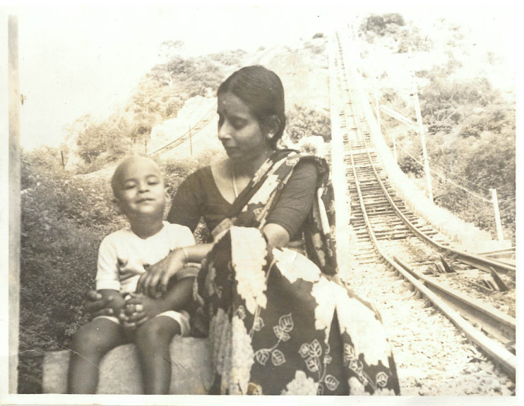 Yogeeswaran Ganesan and his mother, Palani, Tamil Nadu, India, 1985