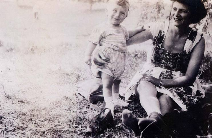 Jerry Bruckheimer and his mom, Anna, circa 1944, in Detroit, MI