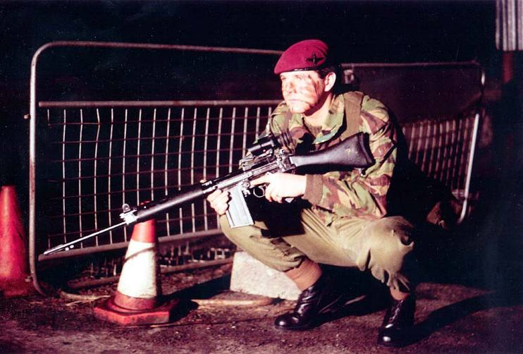 At age 18, Mark Burnett joined the British Army's elite Parachute Regiment.