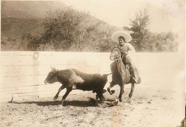 Verónica Dávila's grandfather, Arnulfo Dávila, competing in the coleadero (or steer-tailing event) in Monterrey, Mexico