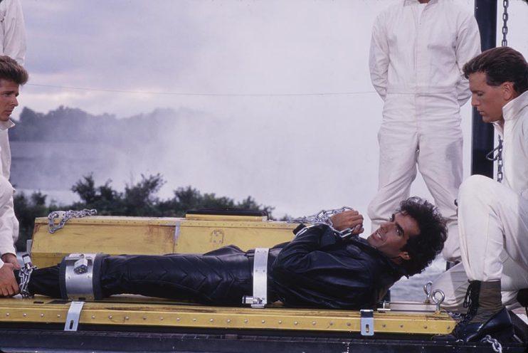 David Copperfield shackled at Niagara Falls, 1990