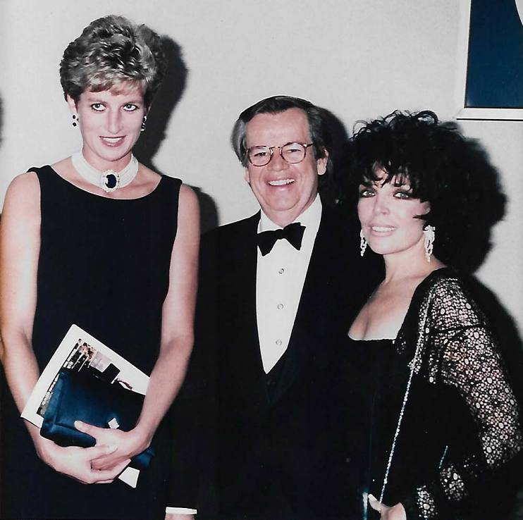 Bob Daly with wife, Carole Bayer Sager, and Princess Diana in England at the world premiere of the Warner Bros. film The Fugitive