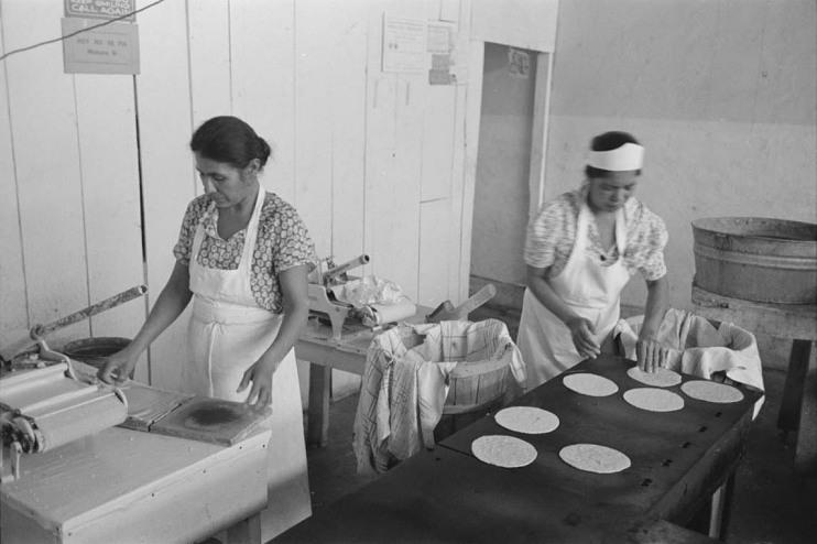 Making tortillas, San Antonio, Texas, 1939