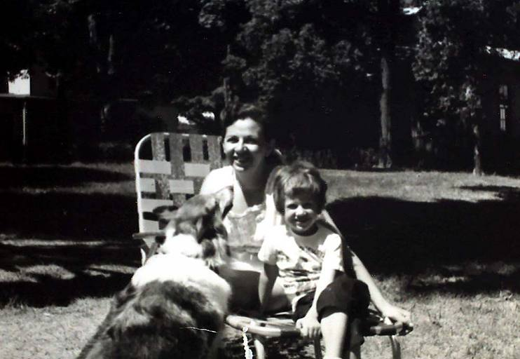 Abbe Raven at age 5 with her mother, Anne Raven, and their dog, Lassie