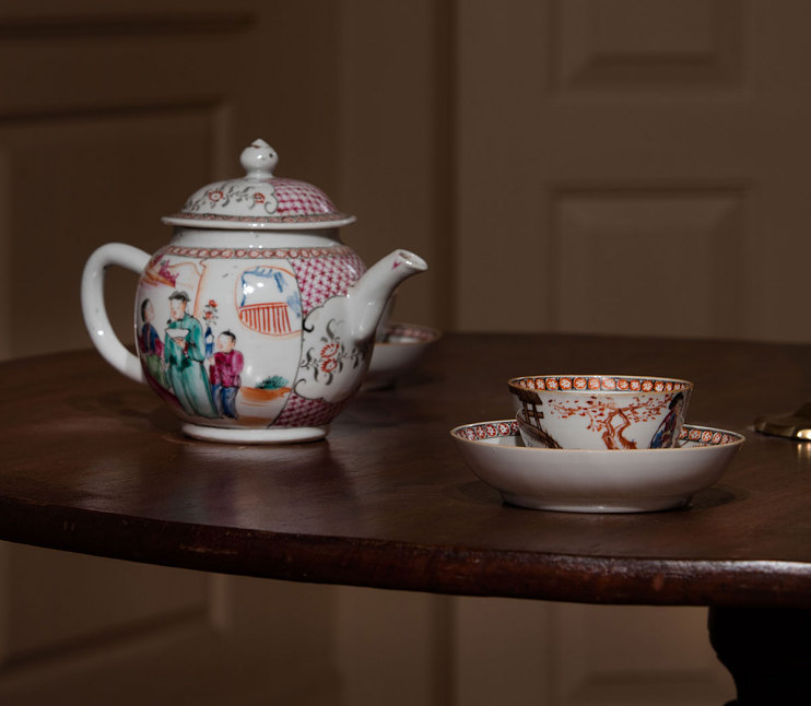 Porcelain teapot, China, about 1760