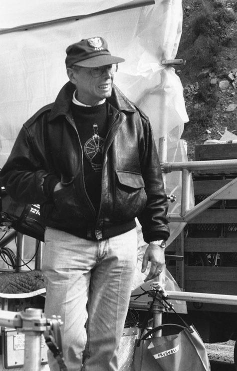 Irwin Winkler on the set of De-Lovely (2004)