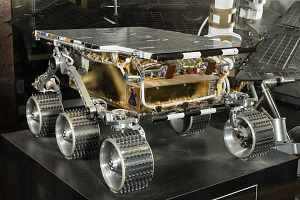 Front-side view of metal Rover Engineering Test Vehicle on display-thumbnail 3