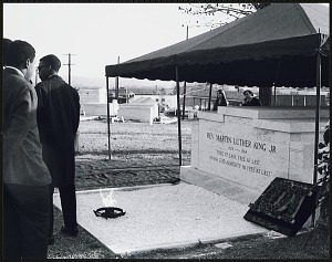 Image for Mourners gathered at Southview Cemetery