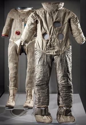 Cernan Suit on Display
