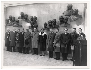 thumbnail image for Edmond Amateis with scientists at the Polio Wall of Fame