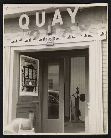 thumbnail image for Quay Gallery entrance