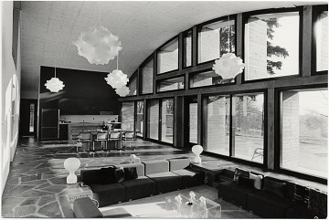 thumbnail image for Geller House II, interior, Lawrence, Long Island, New York