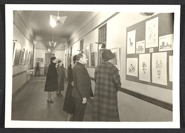 thumbnail image for Visitors at a gallery