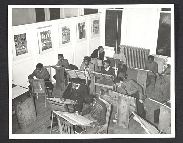 thumbnail image for Students in a free art class at the Harlem Art Center, 290 Knox Avenue
