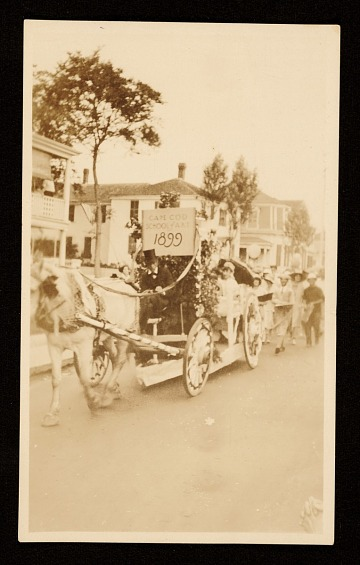 thumbnail image for Horse drawn carriage with sign for the Cape Cod School of Art