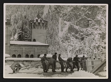 thumbnail image for Soldiers evacuating looted art from Neuschwanstein Castle
