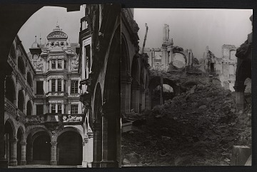 thumbnail image for Pellerhaus courtyard before and after bombing