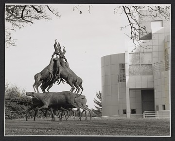 thumbnail image for Installation view of Bruce Nauman's 'Animal Pyramid' in Greenwood Park at the Des Moines Art Center in Des Moines, Iowa