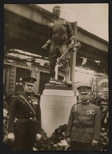 thumbnail image for Attendants at the dedication ceremony of Pietro Montana's <em>Buschwick-Ridgewood World War I Memorial</em> at Heisser Square in Brooklyn