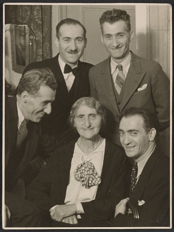 thumbnail image for Nickolas Muray with his family