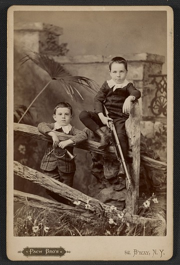 thumbnail image for Alfred and Walter Pach as young boys