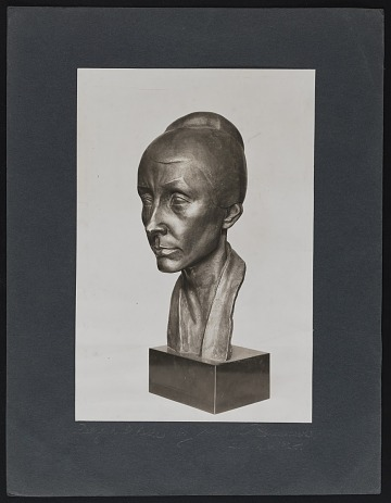 thumbnail image for Photograph of bust of Georgia O'Keeffe by Arnold Rönnebeck