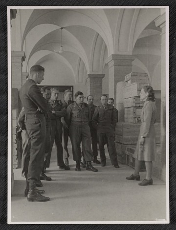 thumbnail image for Edith Standen conducting a tour for U.S. guards